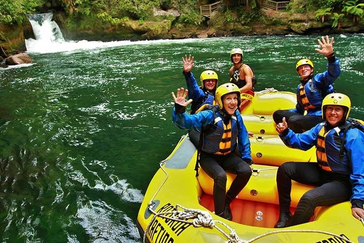 lakeview-golf-rotorua-rafting About Rotorua